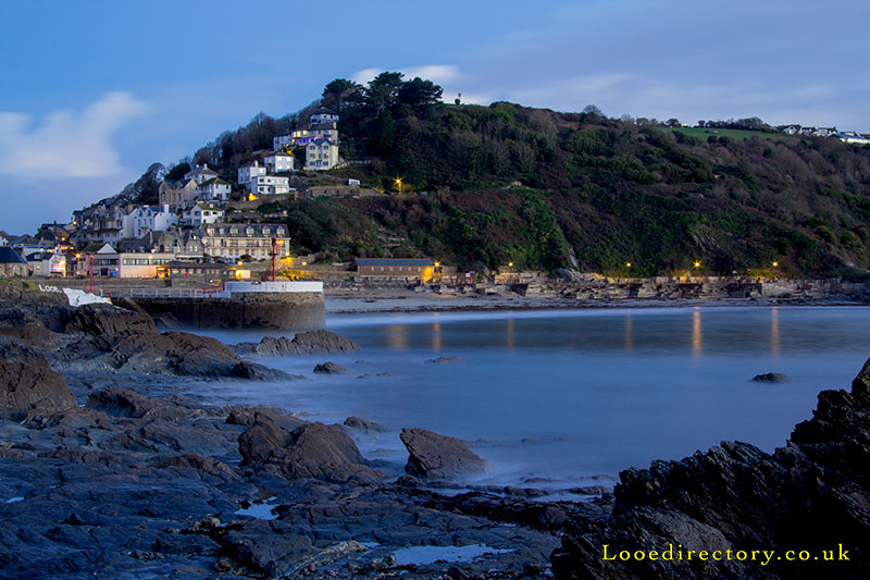 Looe beach and banjo pier at dawn